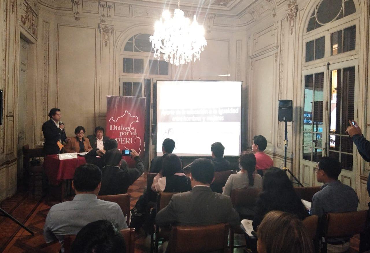 Diálogos por el Perú